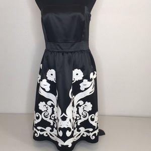 WHite House Black Market Strapless blk&white dress